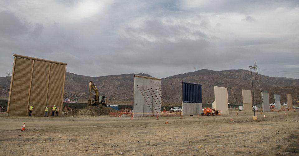 Listos prototipos para el polémico muro de Trump